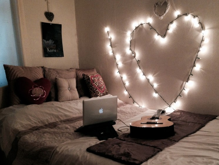 Ways To Use Christmas Light In Your Room 15