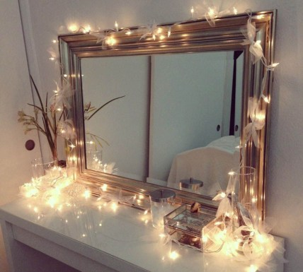 Ways To Use Christmas Light In Your Room 45