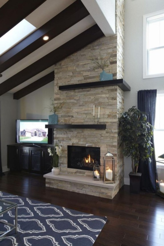 Winter Fireplace Decoration Ideas 22