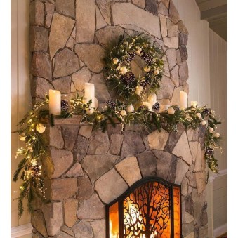 Winter Fireplace Decoration Ideas 25