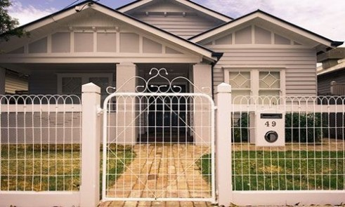 Amazing House Fence You Can Build In Your Garden 28