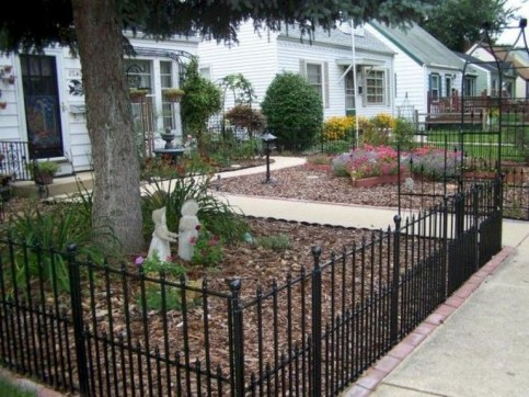 Amazing House Fence You Can Build In Your Garden 31