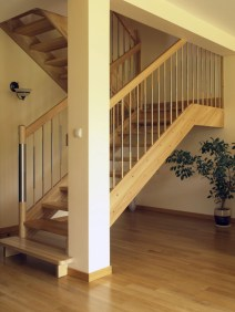Best And Elegant Wooden Stairs In Your House 10