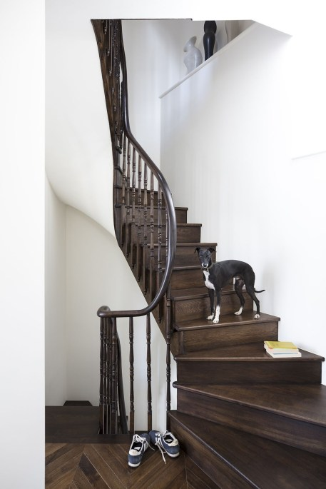 Best And Elegant Wooden Stairs In Your House 19