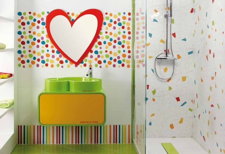 Stunning Colorful Bathroom Decoration For Your Kids 23