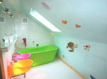 Stunning Colorful Bathroom Decoration For Your Kids 27