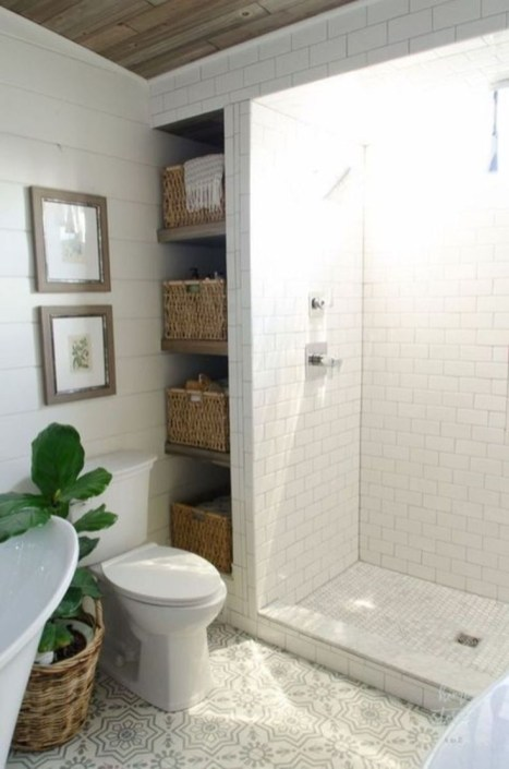 Vintage Farmhouse Bathroom Decor You Will Try 13