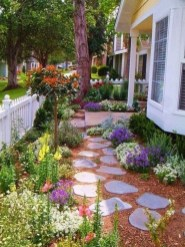 Best Walkways Idea In Your Front Yard 16