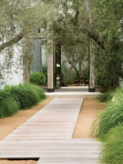 Best Walkways Idea In Your Front Yard 19