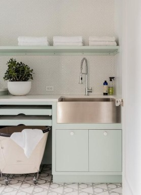 Contemporary Laundry Room Decor Ideas You Can Try For Your House 19