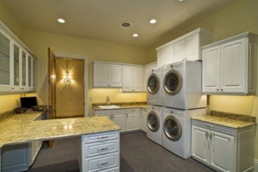 Contemporary Laundry Room Decor Ideas You Can Try For Your House 28