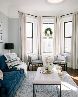 Cozy And Simple Rug Idea For Small Living Room 24