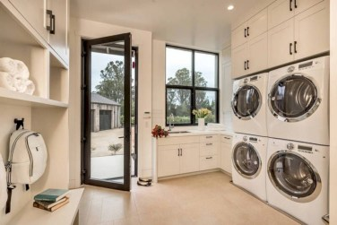 Creative And Inspiring Laundry Room Decor Idea 10