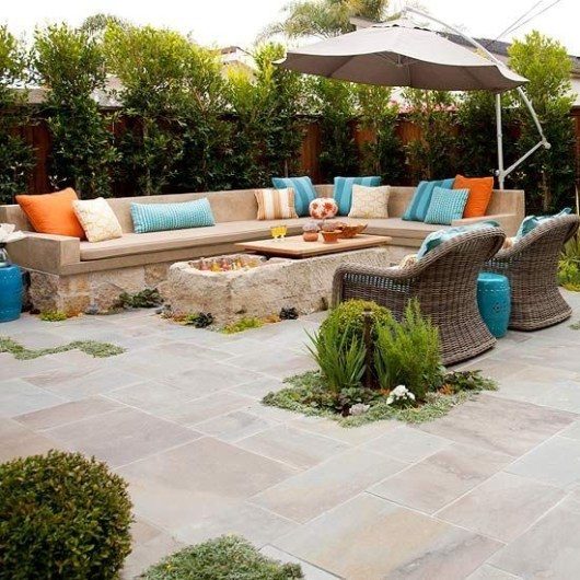 Incredible Small Backyard Ideas For Relax Space 31
