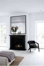 Spring Mantel Decorating Ideas For Fireplace In Living Room 20