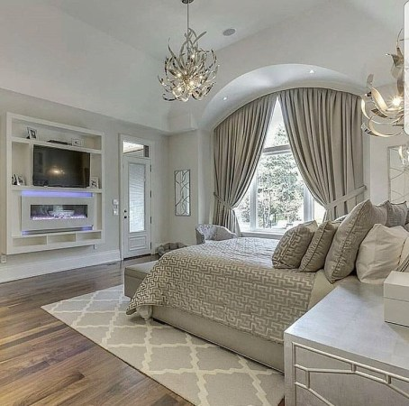 Stylish And Elegant Master Bedroom Idea For Your Family 29