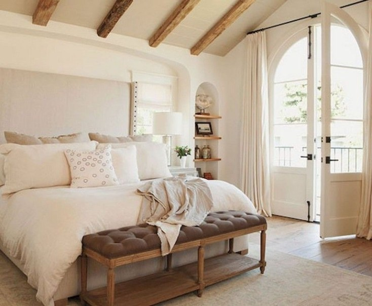 Stylish And Elegant Master Bedroom Idea For Your Family 33