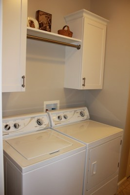 Amazing Small Laundry Room Design You Can Do 06