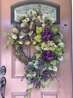DIY Simple Spring Wreath For Your Door 13
