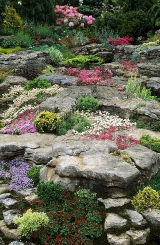 Extraordinary Garden Design Ideas To Be Inspire 10