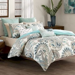 Stylish Bedroom Design Ideas For American Style Houses 13