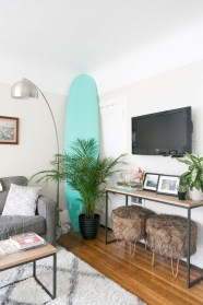 Amazing Small Living Room Decor Idea For Your First Apartment 19
