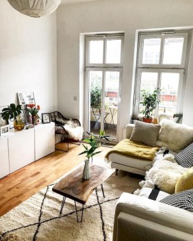 Amazing Small Living Room Decor Idea For Your First Apartment 22