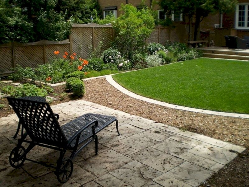 Fabulous Small Area You Can Build In Your Garden 05