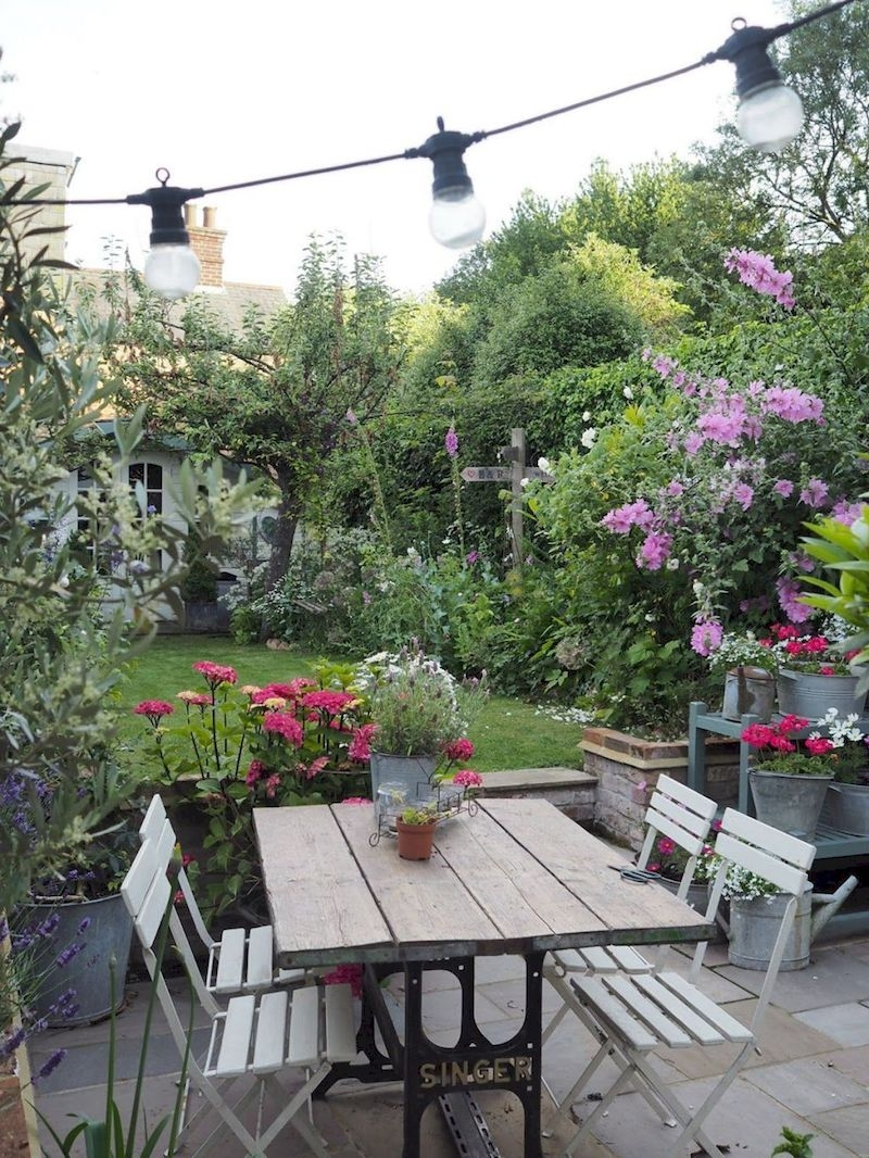 Fabulous Small Area You Can Build In Your Garden 18
