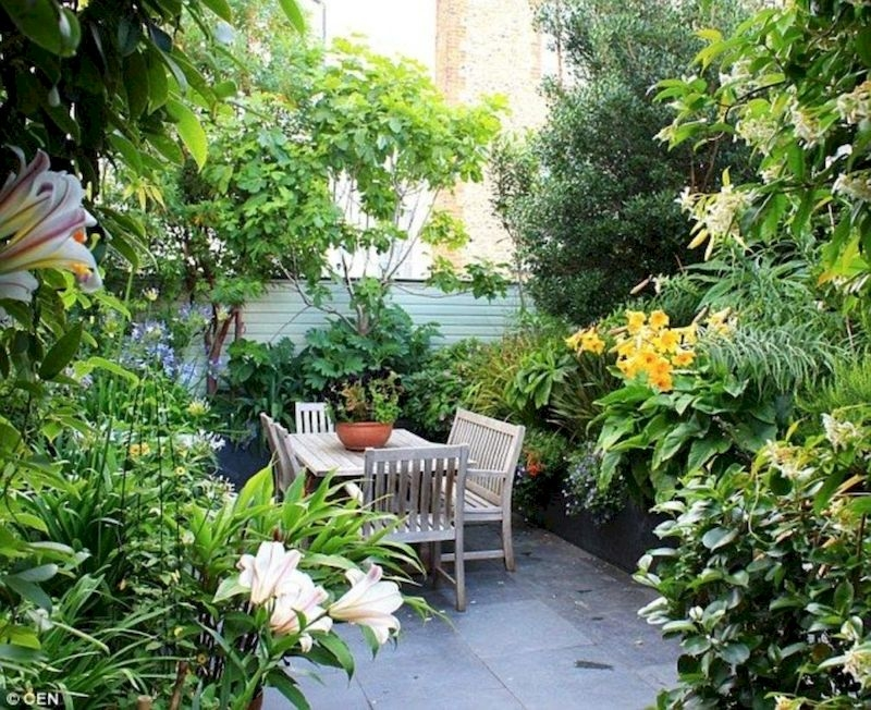 Fabulous Small Area You Can Build In Your Garden 21