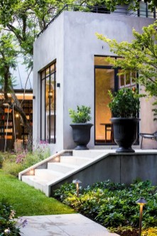 Garden Decor Modern And Glamorous For A Big House 33