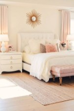 Romantic Master Bedroom Décor Ideas On A Budget 22
