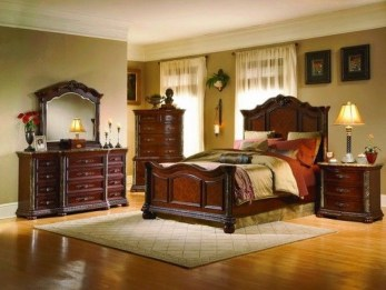 Elegant Furniture Idea For Master Bedroom 32