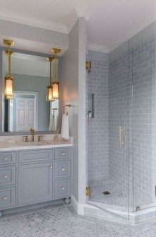 Gorgeous Small Master Bathroom Remodel Ideas 19