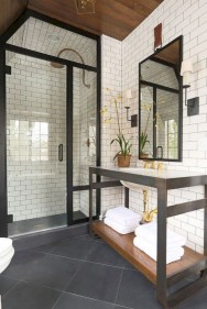 Gorgeous Small Master Bathroom Remodel Ideas 21
