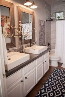 Gorgeous Small Master Bathroom Remodel Ideas 28