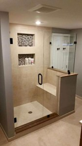 Gorgeous Small Master Bathroom Remodel Ideas 35