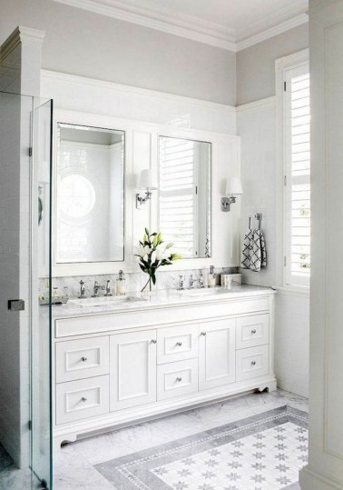 Gorgeous Small Master Bathroom Remodel Ideas 39