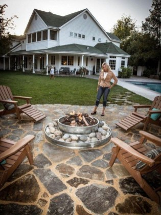 Amazing DIY Fire Pit Idea For Cold Day 24