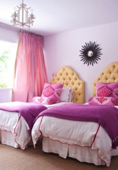 Awesome Dorm Room Decoration With Double Bed 02