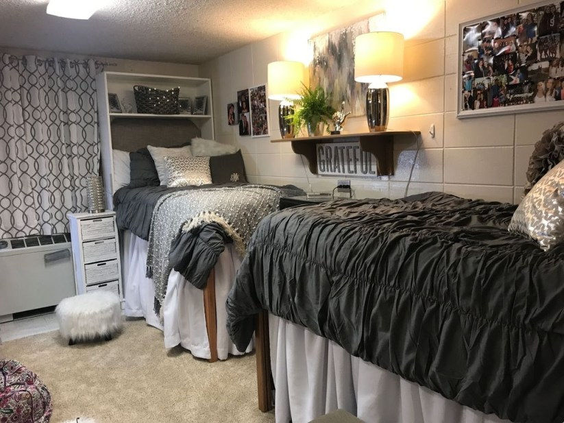 Awesome Dorm Room Decoration With Double Bed 11