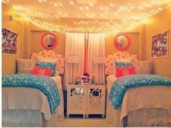 Awesome Dorm Room Decoration With Double Bed 36