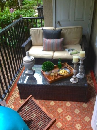 Comfy Small Seating Area In Your Balcony 02