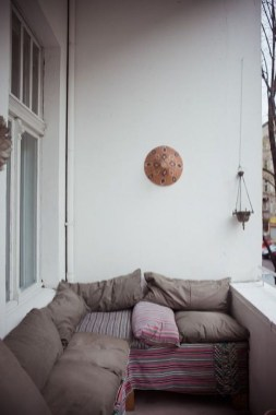 Comfy Small Seating Area In Your Balcony 14