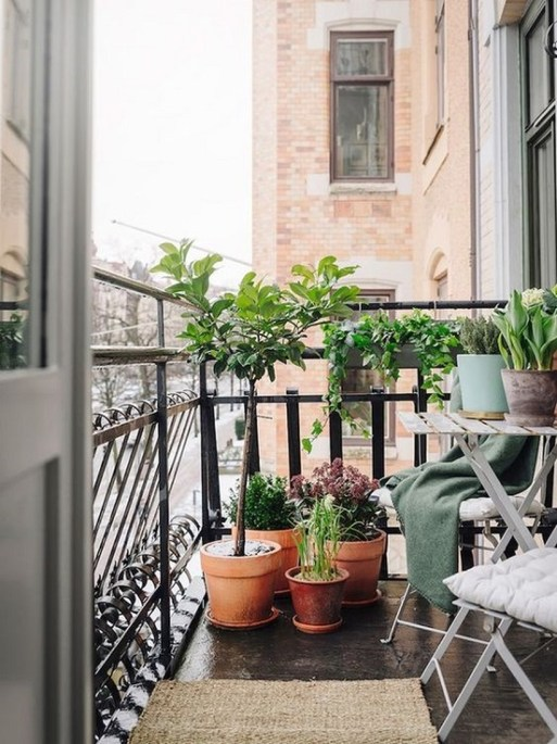 Cozy Garden Balcony Design And Inspiration 04