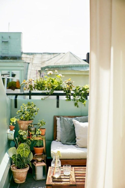 Cozy Garden Balcony Design And Inspiration 10