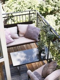 Cozy Garden Balcony Design And Inspiration 16