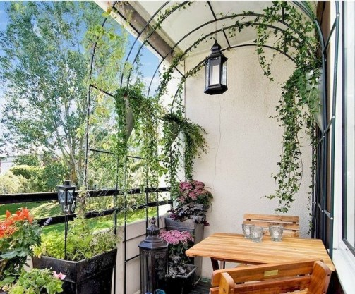 Cozy Garden Balcony Design And Inspiration 19