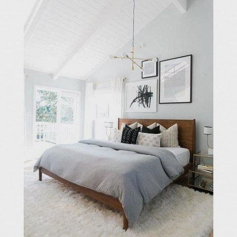 Easy Tips To Decorate Small Master Bedroom With Neutral Color 16