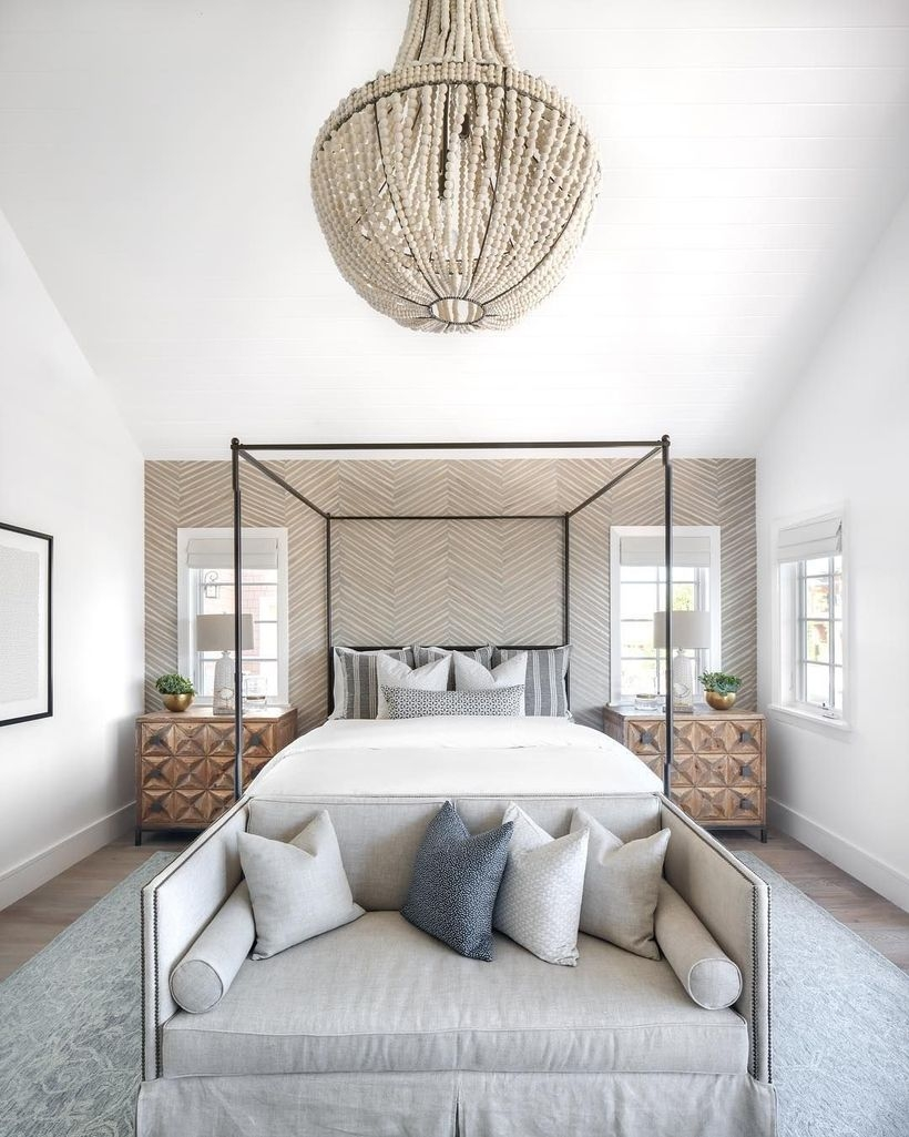 Easy Tips To Decorate Small Master Bedroom With Neutral Color 29